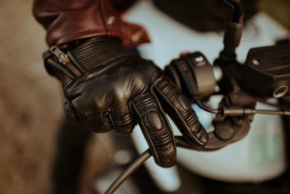 laver-gants-moto-cafe-racer