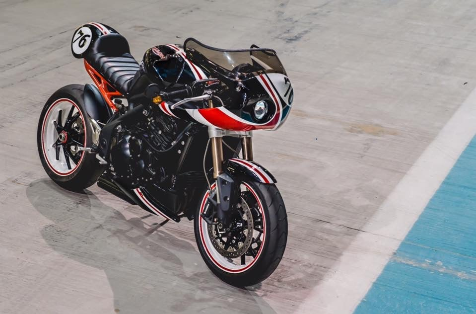 CafeRacer-Ducati 996-Project X-VR Customs7