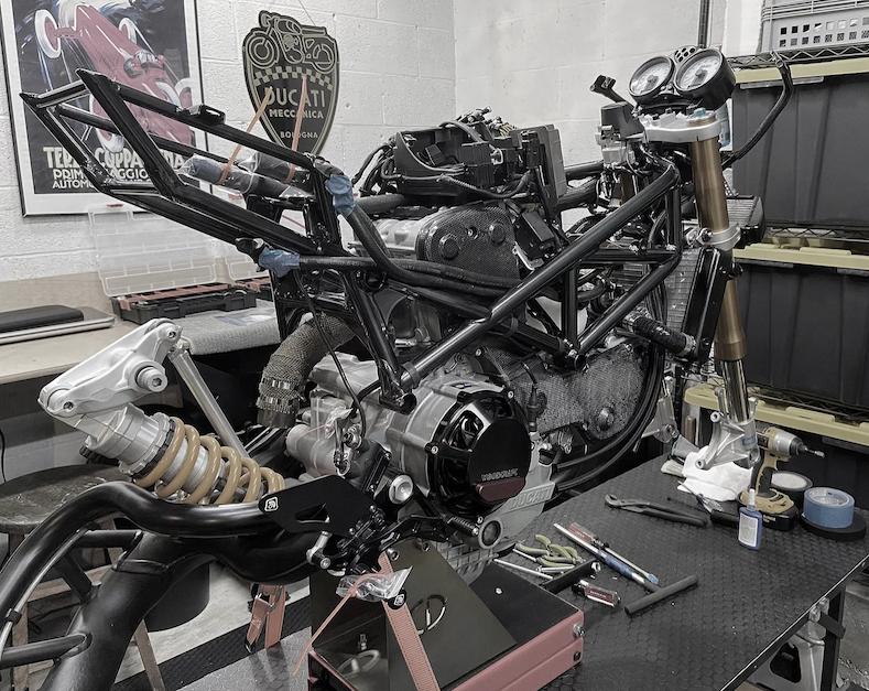 CafeRacer-Hendrix Studio-Ducati-PS1000R17